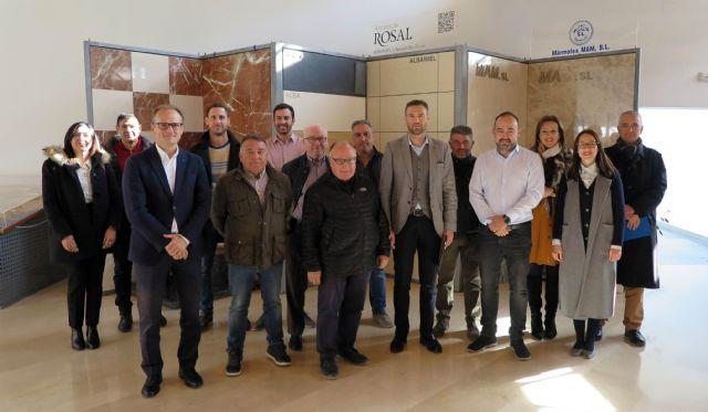 Los empresarios del mármol comparten los problemas y oportunidades del sector con el alcalde de Caravaca